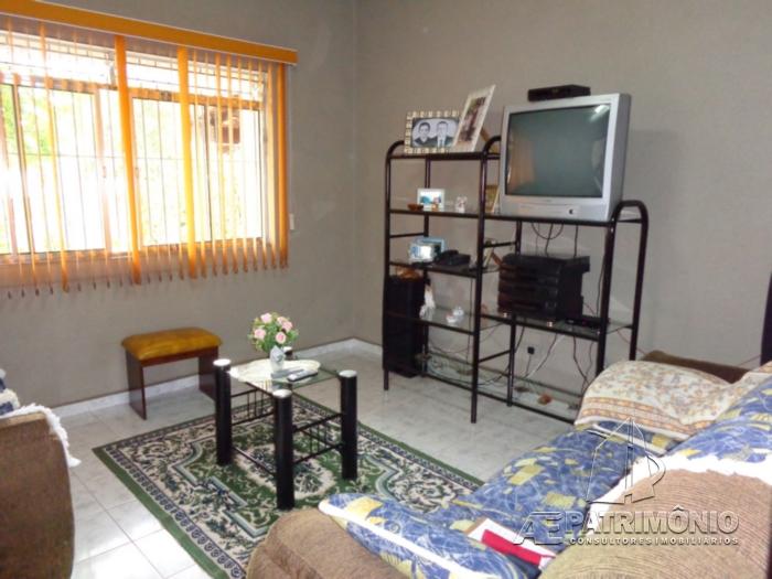 Casa de 3 dormitórios à venda em Centro, Iperó - Sp