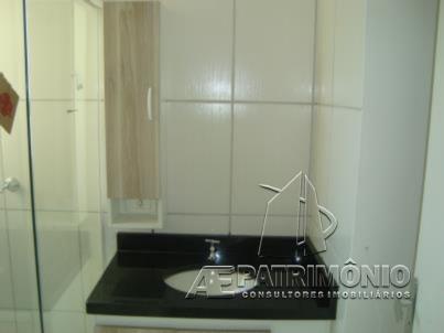 Apartamentos de 2 dormitórios à venda em Guarujá, Sorocaba - Sp