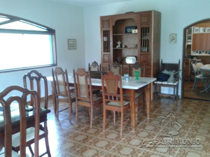 Chácara de 4 dormitórios à venda em Aparecidinha, Sorocaba - SP