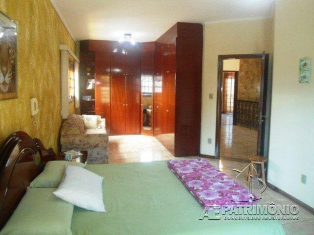 Casa de 3 dormitórios à venda em Centro, Votorantim - Sp
