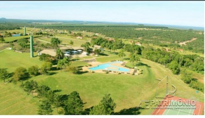 Terreno à venda em Ninho Verde Ii, Pardinho - SP