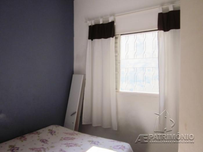 Casa Em Condominio de 2 dormitórios à venda em Lopes De Oliveira, Sorocaba - Sp