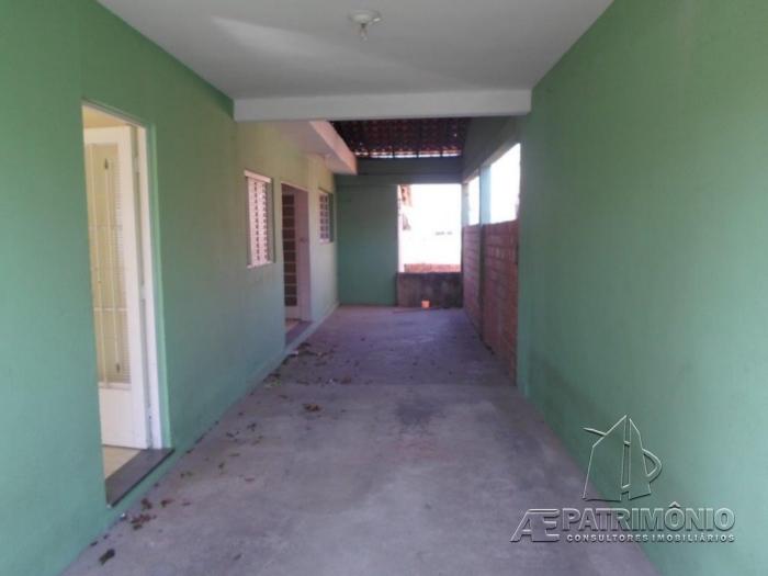 Casa de 3 dormitórios à venda em Aparecidinha, Sorocaba - SP