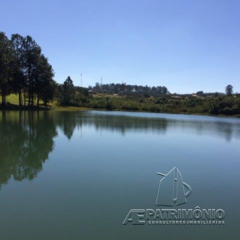 Terreno à venda em Pinheiros Do Lago, Alambari - SP