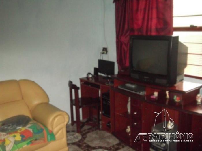 Casa de 2 dormitórios à venda em São Lucas, Votorantim - SP