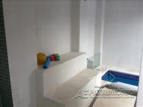 Casa Em Condominio de 4 dormitórios à venda em Jordanesia, Cajamar - SP