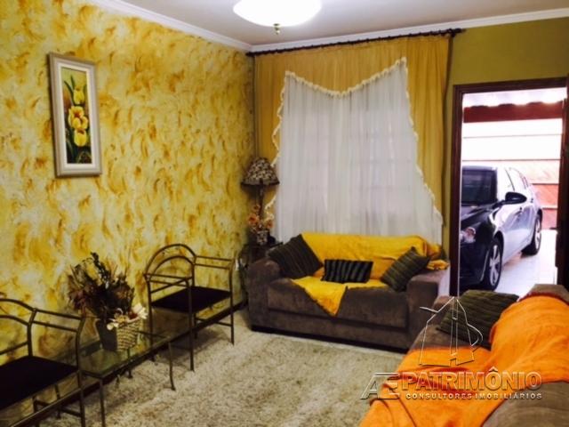 Casa de 2 dormitórios à venda em Toledo, Votorantim - Sp