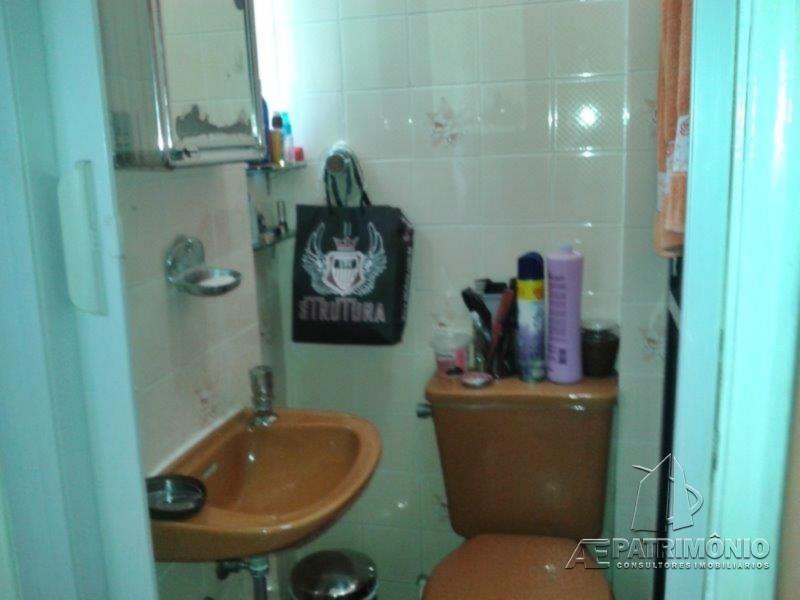 Apartamentos de 2 dormitórios à venda em Maia, Guarujá - Sp