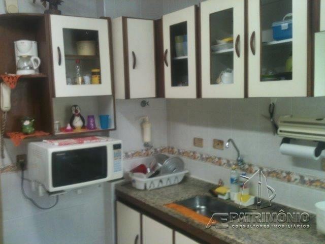 Apartamentos de 3 dormitórios à venda em Asturias, Guarujá - SP