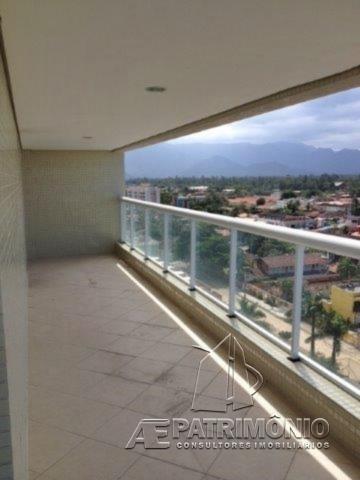 Apartamentos de 3 dormitórios à venda em Praia De Maitinga, Bertioga - SP