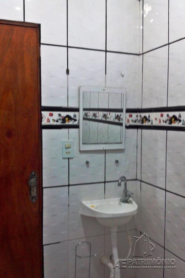 Casa de 2 dormitórios à venda em Rodrigues, Votorantim - Sp