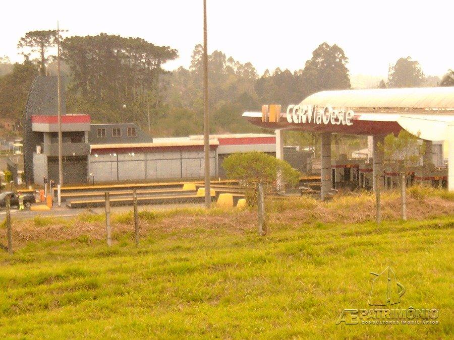 Área à venda em Nova Sao Roque, São Roque - SP