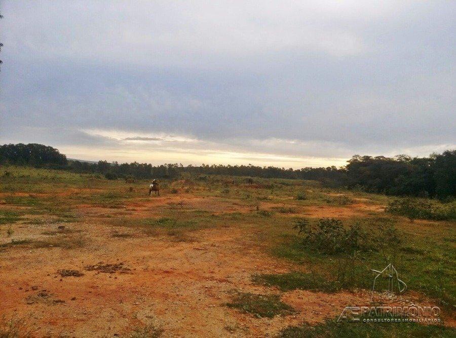 Área à venda em Altos Do Itavuvu, Sorocaba - Sp