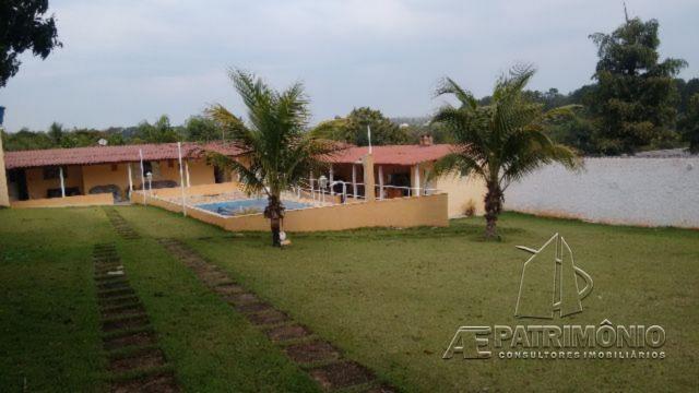 Chácara de 2 dormitórios à venda em Colinas Ii, Araçoiaba Da Serra - Sp