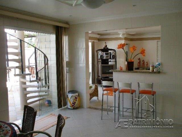 Apartamentos de 3 dormitórios à venda em Enseada, Guaruja - SP