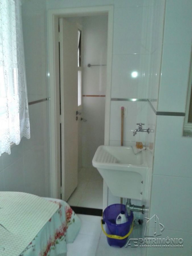 Apartamentos de 2 dormitórios à venda em Belmar, Guaruja - SP