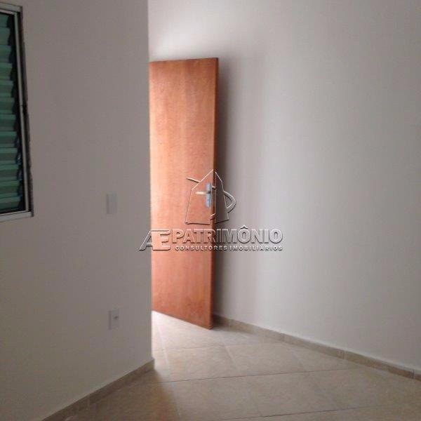 Casa de 2 dormitórios à venda em Eucaliptos, Sorocaba - SP