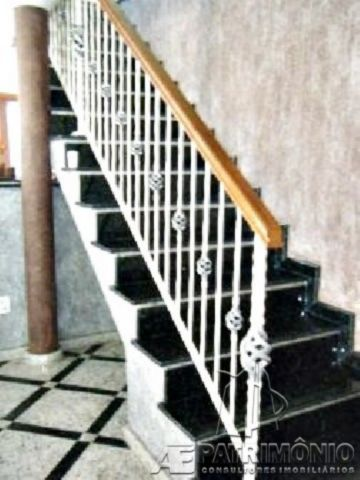 Escada Acesso Piso Superior